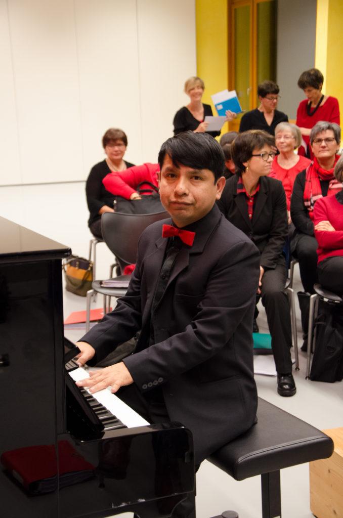 Chor_Appenzell_Dirigent Lenin Zavaleta